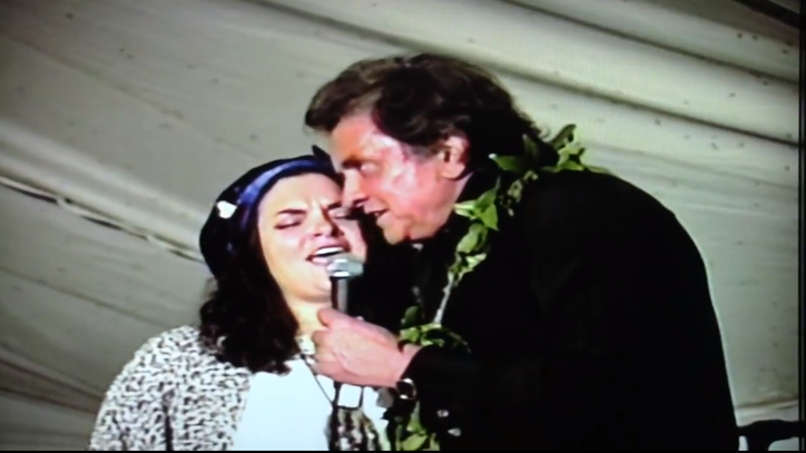 Flashback: Watch Johnny Cash Duet With Daughter Rosanne