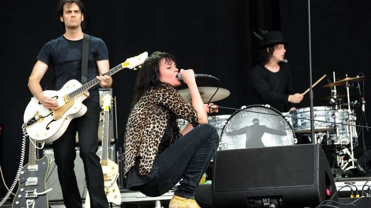 Dead Weather to Return With New Album 'Dodge and Burn'