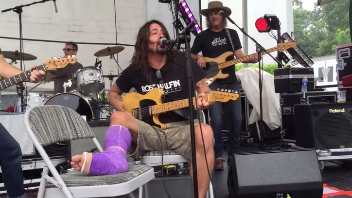 Watch Dave Grohl Cover Neil Young With Pearl Jam, Blind Melon Members