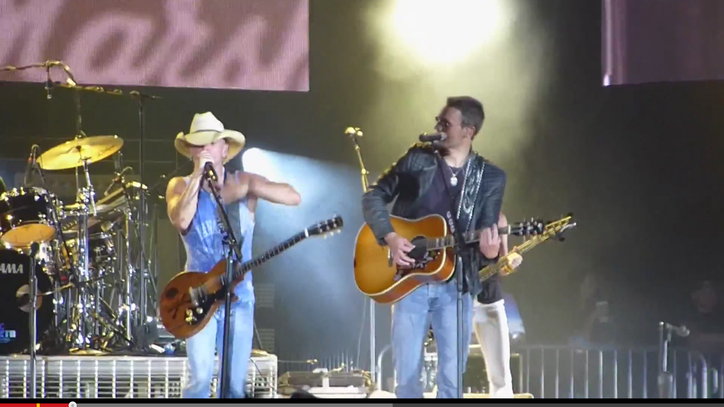Watch Kenny Chesney and Eric Church Duet on 'When I See This Bar'