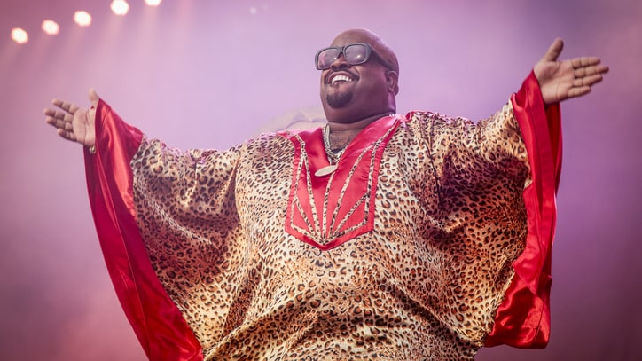 Cee Lo Drops Interactive 'Robin Williams' Google Results Lyric Video