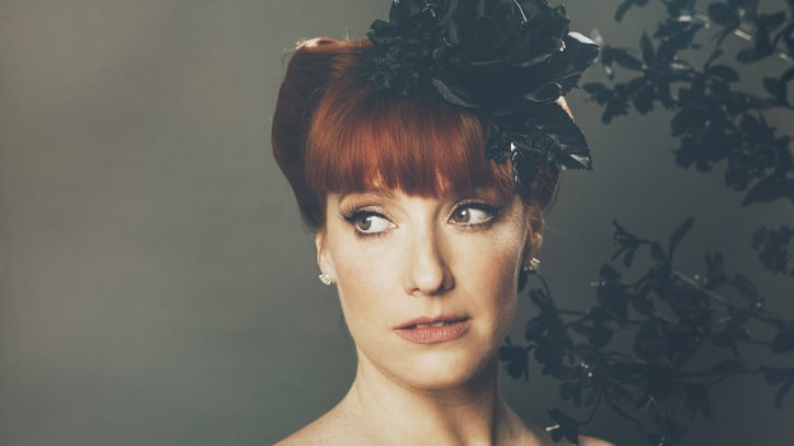 Hear Leigh Nash Go South With 'Somebody's Yesterday'