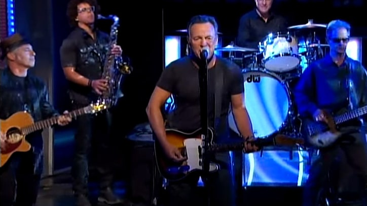 Watch Bruce Springsteen Close Out Jon Stewart's Final 'Daily Show'