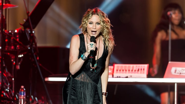 Jennifer Nettles to Play Dolly Parton's Mother in TV Movie