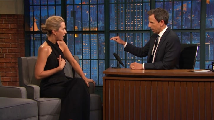 Watch Kristen Wiig, Fred Armisen Re-Dub 'Late Night With Seth Meyers'