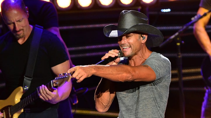 Tim McGraw Tour Storms Nashville With Surprise Guests