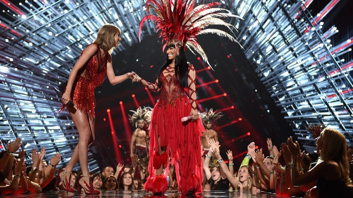 Nicki Minaj, Taylor Swift Open VMAs With Surprise Medley