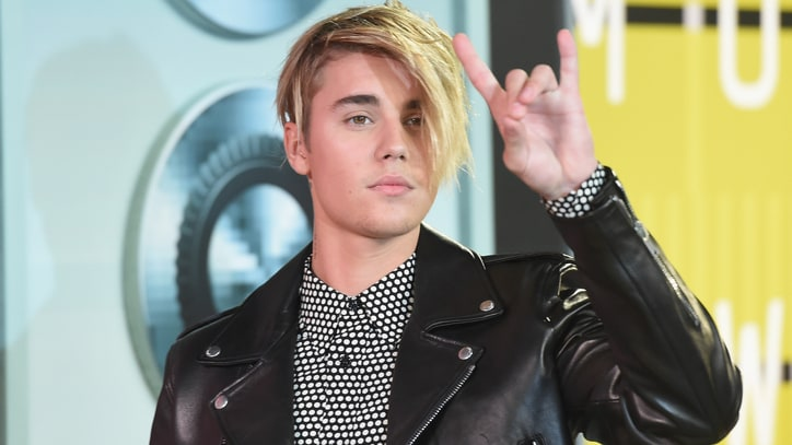 Justin Bieber Marks VMA Comeback With High-Flying Performance