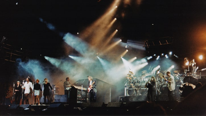 Flashback: Pink Floyd Play 'Run Like Hell' at 1990 Charity Gig