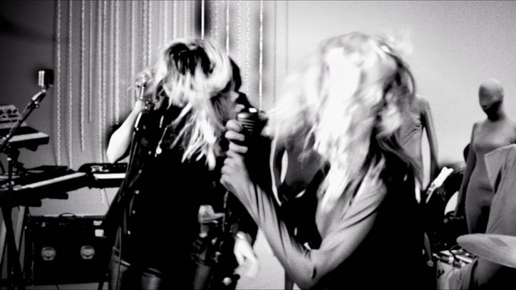Dead Weather Drop Raucous 'I Feel Love (Every Million Miles)' Live Video