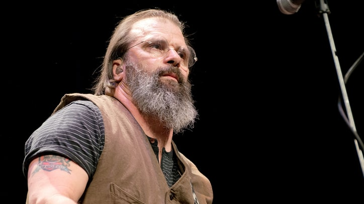 Hear Steve Earle Denounce Confederate Flag in 'Mississippi, It's Time'