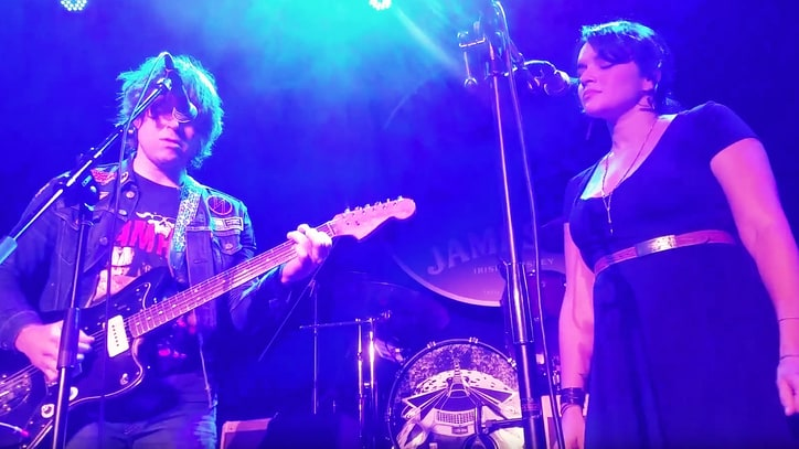 Watch Ryan Adams, Norah Jones Cover 'Old Man' at Neil Fest