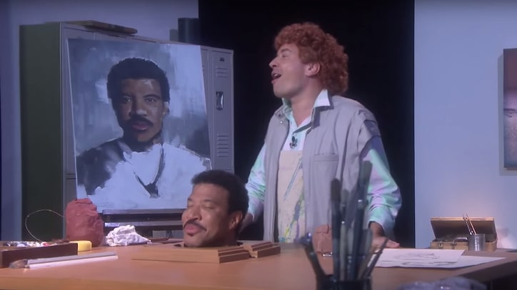 Watch Lionel Richie, Jimmy Fallon Reimagine 'Hello' Video