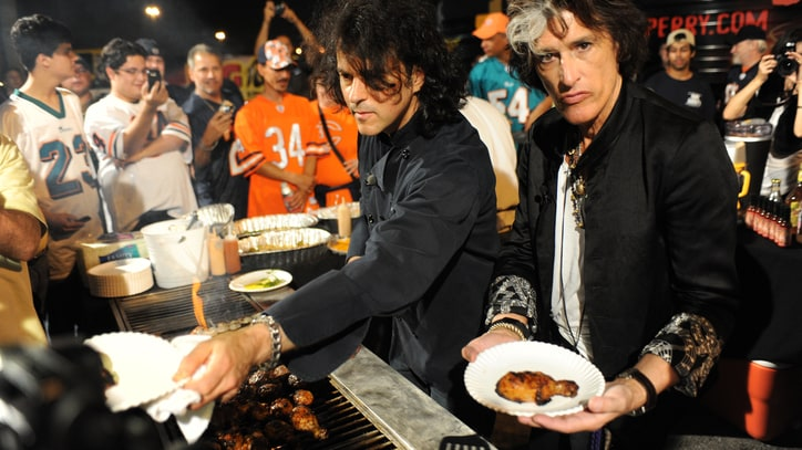 Alice Cooper, Joe Perry Remember 'Rock & Roll Chef' Kerry Simon