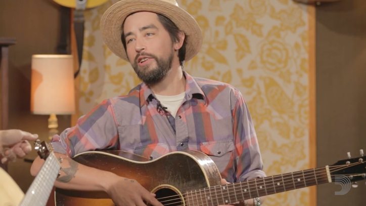 See Luther Dickinson and Jackie Greene Jam in New Guitar Series