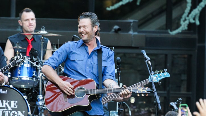 Blake Shelton Announces 2016 Winter Tour Dates
