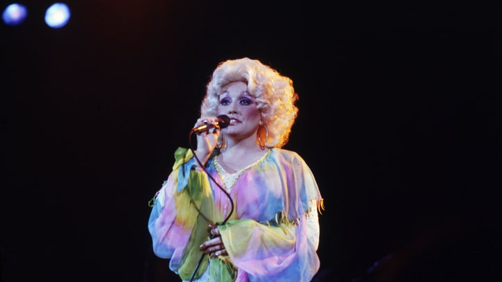 Watch Dolly Parton and Cher's Bizarre 'Heaven and Hell' Duet