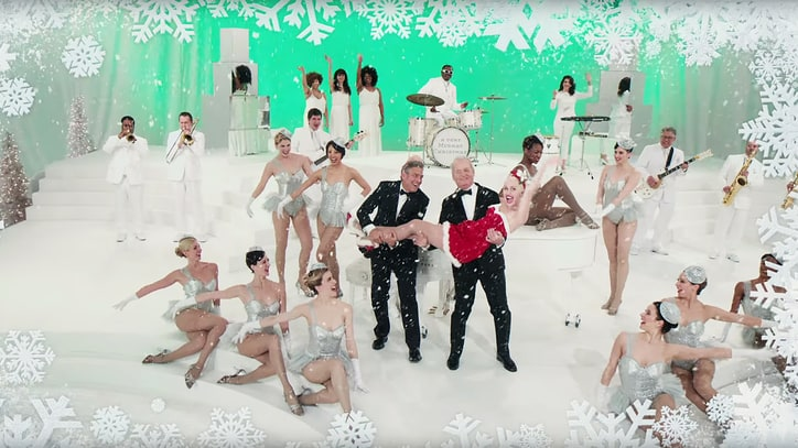 Watch Clooney, Miley Save Holidays in 'Very Murray Christmas' Teaser