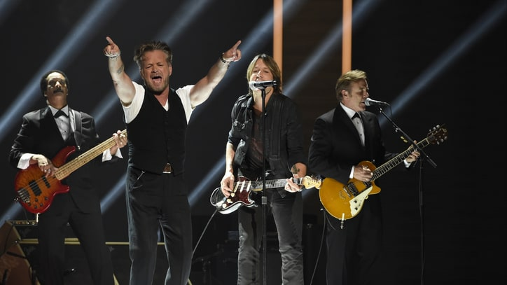John Mellencamp, Keith Urban Set for CMA Awards Duet