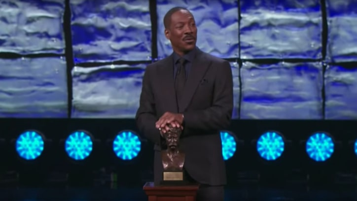 Watch Eddie Murphy Do Cosby at Awards Ceremony Stand-Up