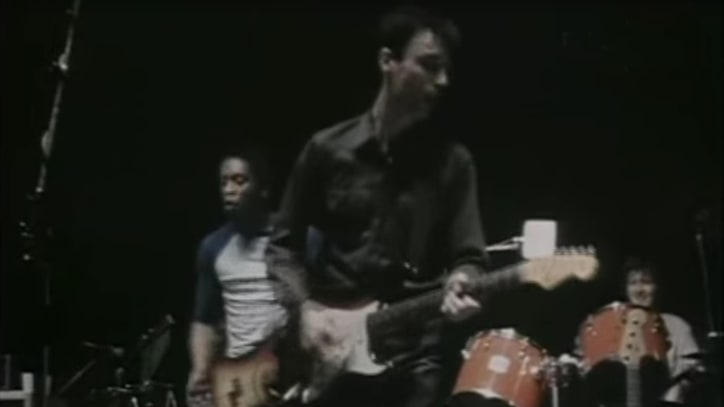 Flashback: Talking Heads Play Insanely Funky 'Crosseyed & Painless' in 1980
