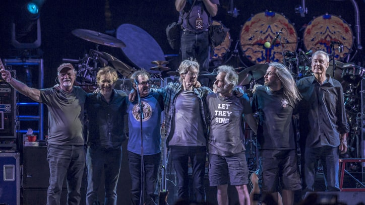 Watch Grateful Dead, Trey Anastasio Play Laid-Back 'Truckin''