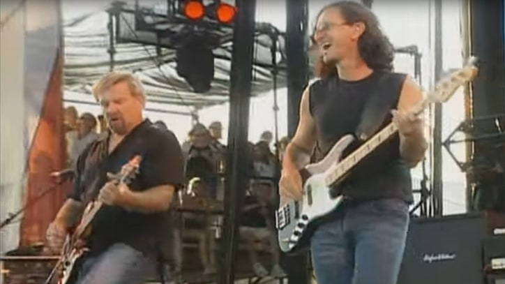 Flashback: Rush Cover 'Paint It Black' At 2003 SARS Concert