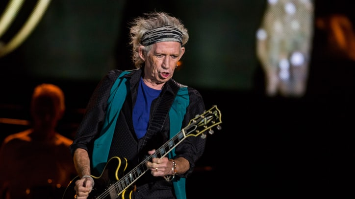 See Keith Richards Play Raucous 'Gimme Shelter' at Apollo Theater