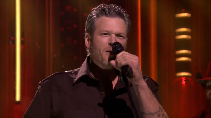 See Blake Shelton Charm 'Fallon' With 'Gonna'