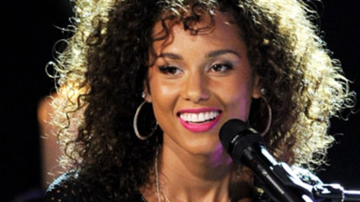 Alicia Keys Reinvents Hits Live