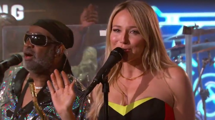 Jewel and Kool & the Gang Team for Sultry Medley on 'Kimmel'