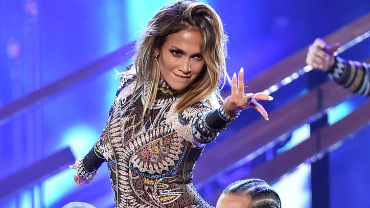 Watch Jennifer Lopez's Dance to Nicki Minaj, the Weeknd in 2015 AMAs Opener