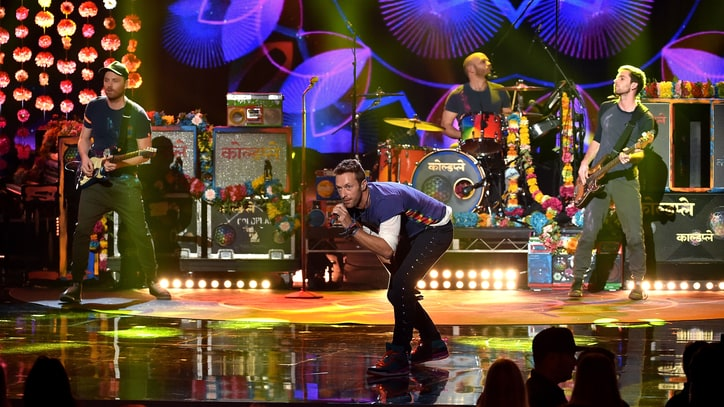 See Coldplay's Trippy 'Adventure of a Lifetime' at 2015 AMAs