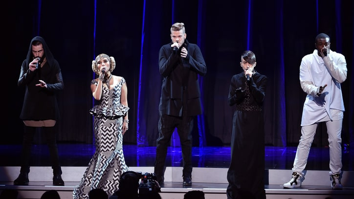 Watch Pentatonix's Symphonic 'Star Wars' Tribute at 2015 AMAs