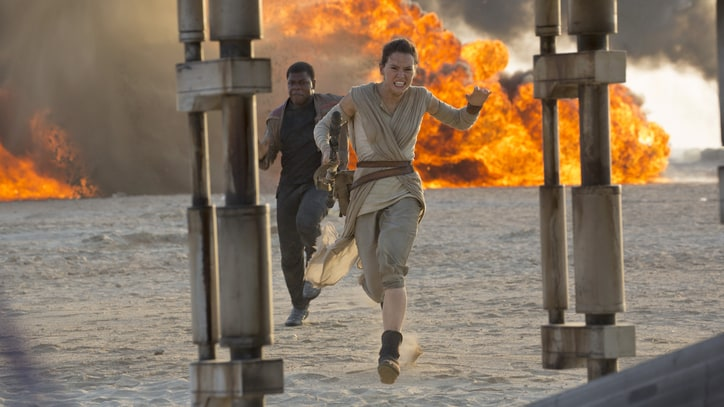 Watch Explosive First Clip from 'Star Wars: The Force Awakens'