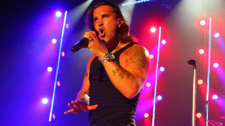 Watch a Confused Scott Stapp Review 'Creed'