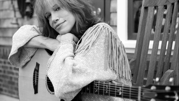 10 Things We Learned From Carly Simon's Revealing New Memoir