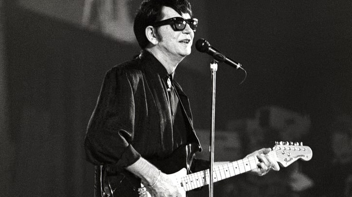 Flashback: Roy Orbison Sings 'Pretty Woman' at Final Concert