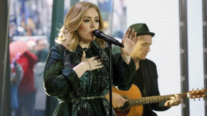 Watch Adele Perform Smoky '25' Ballad 'Million Years Ago'