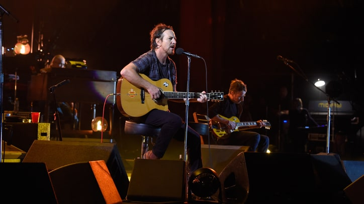 Watch Pearl Jam Cover U2's 'A Sort of Homecoming' at Colombia Concert