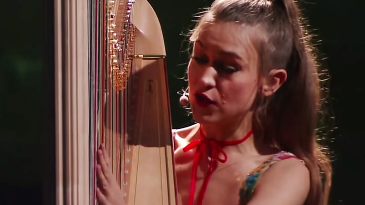 Watch Joanna Newsom Perform Hypnotic 'Leaving the City' on 'Colbert'
