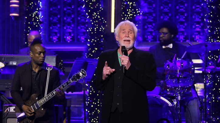 See Kenny Rogers Sing Holiday Staple With the Roots on 'Fallon'