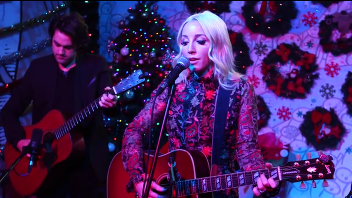 See Ashley Monroe's Delicate Cover of Joni Mitchell's 'River'