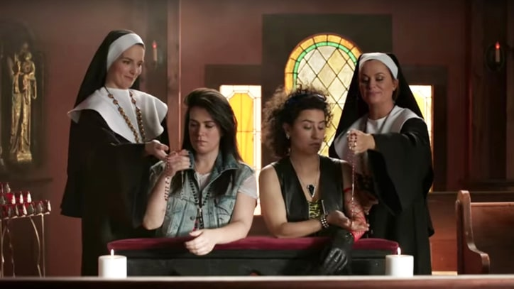 Watch Nuns Tina Fey, Amy Poehler Help 'Broad City' Girls