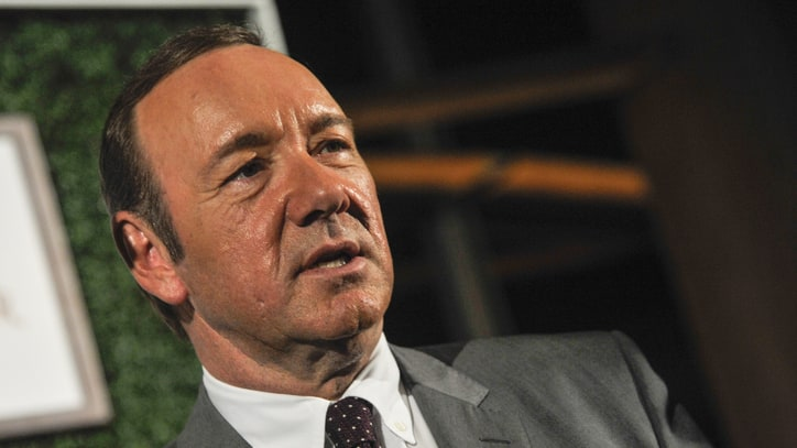 Kevin Spacey Eclipses GOP Debate, Announces 'House of Cards' Premiere
