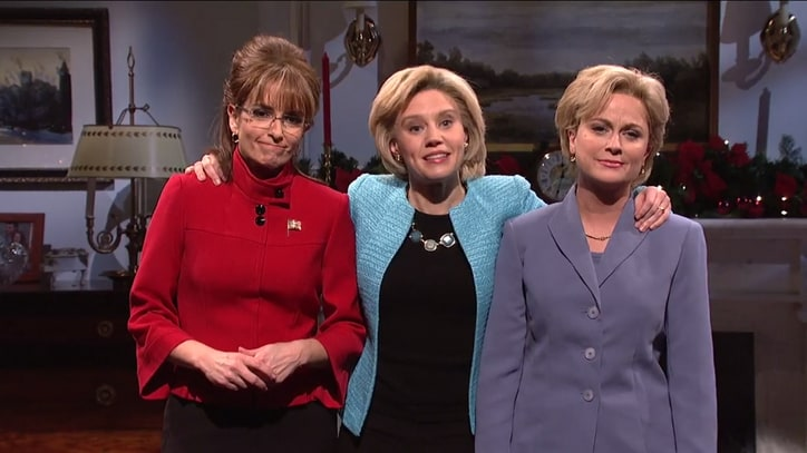 See Amy Poehler, Tina Fey Reprise Hillary Clinton, Sarah Palin on 'SNL'