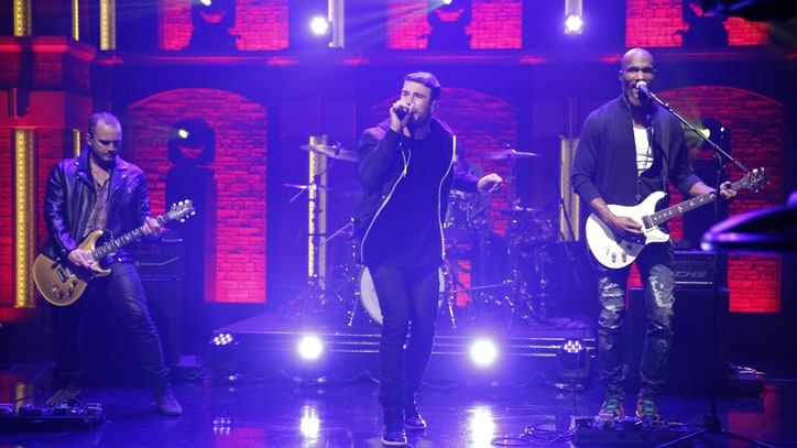 Watch Sam Hunt's Late-Night 'Break Up' on 'Seth Meyers'