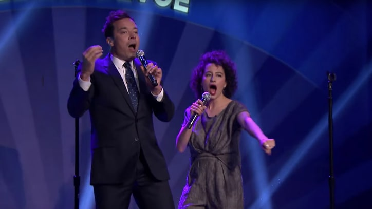 Watch 'Broad City' Girls Play Spin the Microphone on 'Tonight Show'