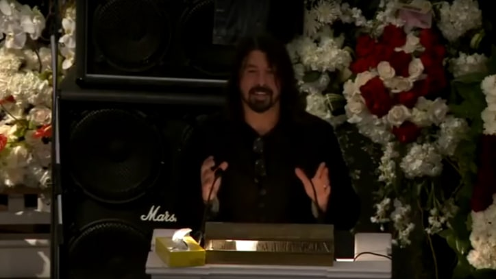 Watch Dave Grohl's Emotional Eulogy From Lemmy's Memorial Service