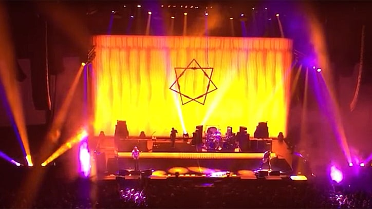 Watch Tool Dust Off Brooding Deep Cut 'Sweat' Live